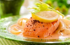 Паста с лососем в апельсиновом соке