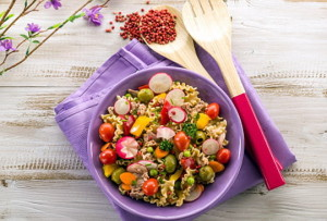Холодный паста-салат с тунцом и овощами
