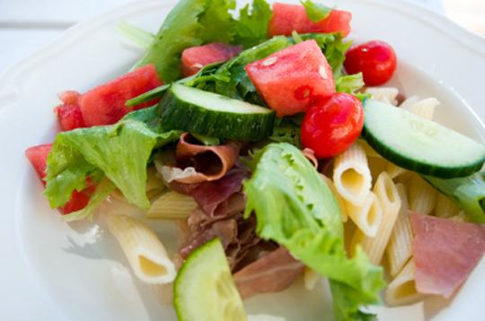 Салат с тунцом и креветками рецепты 48