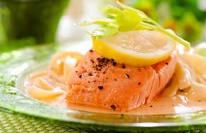 Паста з лососем та апельсиновим соусом