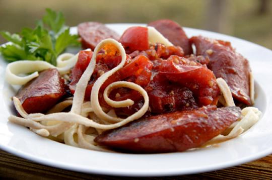 Linguine з домашніми ковбасками